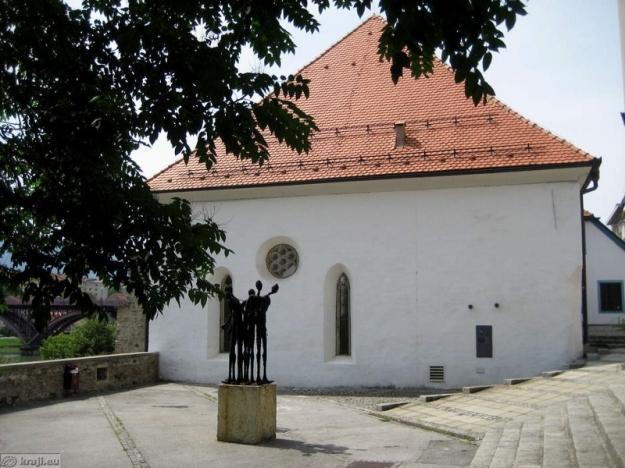 IMG_4575_maribor_zidovska_ulica_sinagoga_big (800x600)